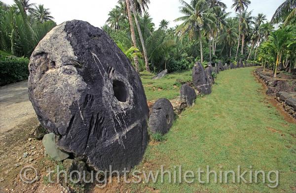 Micronesia 2007 : Yap stone money IMG164