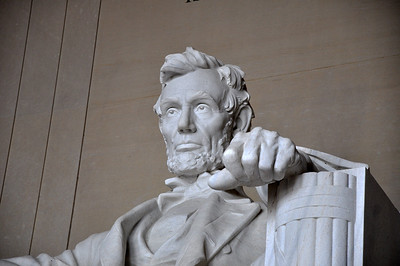 Abe Lincoln at the Lincoln Memorial