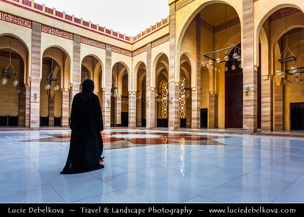 Middle East - GCC - Bahrain - Manama - Grand Mosque - Al-Fateh Mosque - Al-Fateh Islamic Center - Al Fateh Grand Mosque - مسجد الفاتح - Masjid al-Fatih - One of the largest mosques in the world