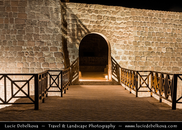Middle East - GCC - Bahrain - Bahrain Fort - قلعة البحرين - Qal`at al-Bahrain - Fort of Bahrain - UNESCO World Heritage Site - Portuguese Fort - Archaeological site & one of Bahrain's oldest military fortifications
