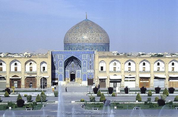 Sheikh Lotfollah Mosque in Esfahan