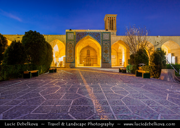 Middle East - Iran - Kerman province - Kerman - Kermun - Kirman - Historical desert town with many historic mosques and Zoroastrian fire temples - Kerman's Grand Bazaar - Souq - Souk - One of the oldest trading centres in Iran - Vakil Bazaar - Ganjali Khan Bazaar