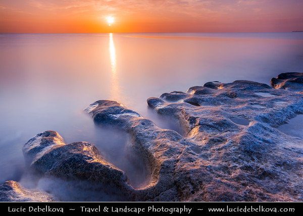 Middle East - GCC - Kuwait - Maseela - Enjefa Beach - Long stretch of beach south of Kuwait City with rocky outcrops and structures - Sunrise