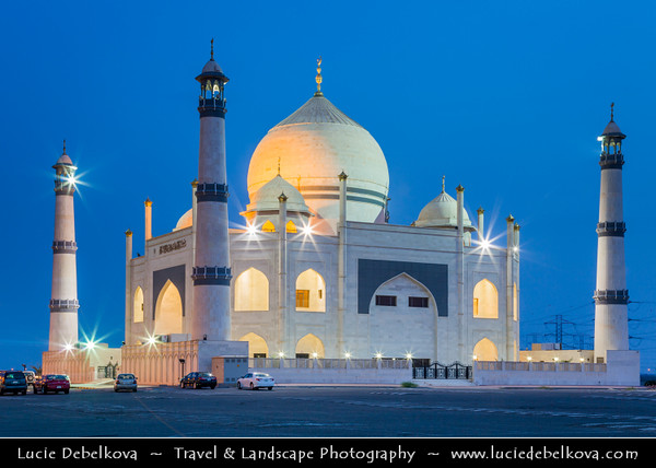 Middle East - GCC - Kuwait - Kuwait City - Dahiya Abdullah Mubarak - Siddiqua Fatima Zahra Mosque - Sadeeqa Fatimatul Zahra Masjid - Shia mosque built in style of India's Mughal emperor Shah Jahan's iconic memorial to his wife - Taj Mahal at Dusk - Twilight - Blue Hour - Night