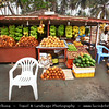Middle East - Sultanate of Oman - Dhofar Province - Salalah Area - صلالة - Ṣalālah - Coastal town along Indian Ocean - Tropical fruit local open air market