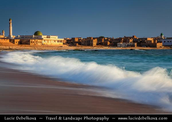 Middle East - Sultanate of Oman - Dhofar Province - Salalah Area - صلالة - Ṣalālah - Mirbat - مرباط - Coastal town along Indian Ocean - Traditional local mosque on the city beach