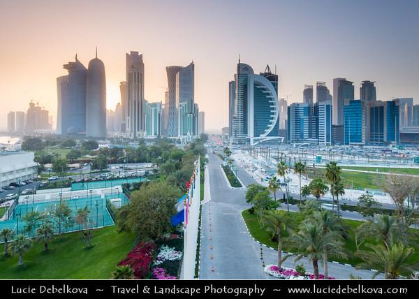 Middle East - Qatar - Doha - الدوحة - ad-Dawḥa - ad-Dōḥa - New and Modern Skyline with Sky High Skyscrapers along the Corniche