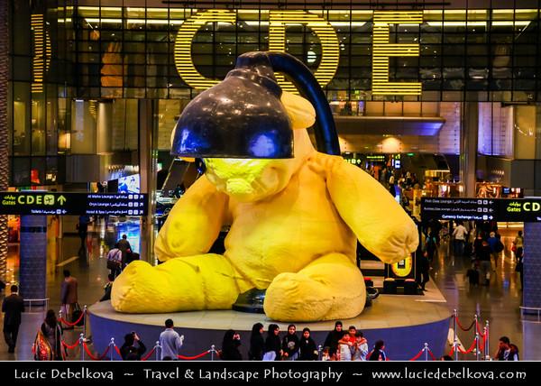 Middle East - GCC - Qatar - Doha - الدوحة - ad-Dawḥa - ad-Dōḥa - Doha Hamad International Airport - Giant yellow teddy bear - $6.8m sculpture and main feature of new aiport