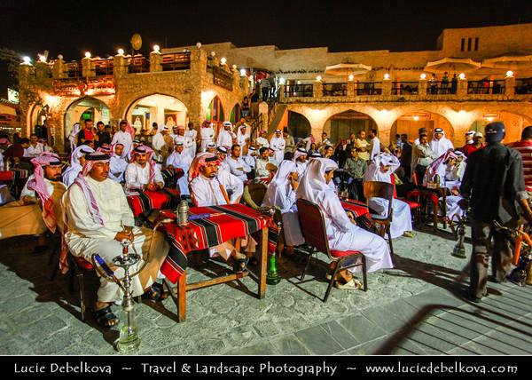 Qatar - Doha - الدوحة - ad-Dawḥa - ad-Dōḥa - Life and People on the streets of Souq Waqif by Night