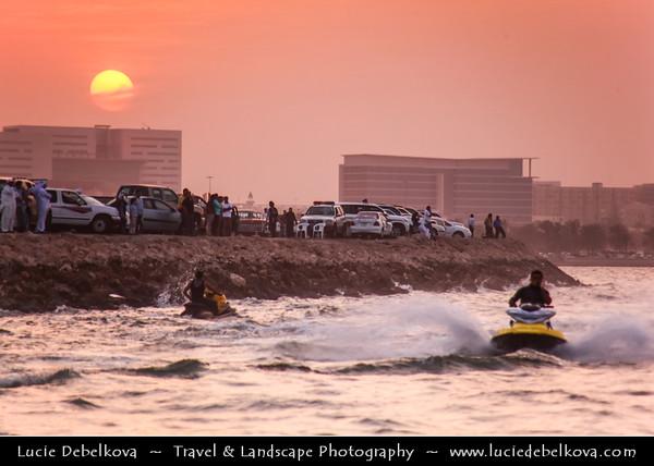 Qatar - Doha - الدوحة - ad-Dawḥa - ad-Dōḥa - Doha Corniche and its New and Modern Skyline - Watching Jet Ski at Sunset - Popular GCC Sport