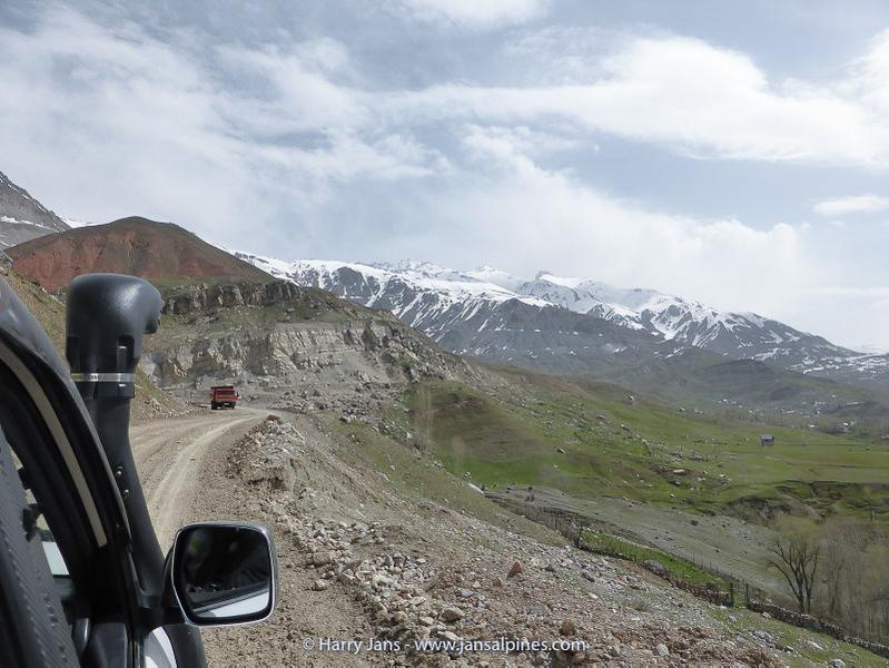road to Ansob pass