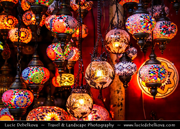 Turkey - Türkiye - Istanbul - Ancient Byzantium & Constantinople - Grand Bazaar - Kapalıçarşı - One of the largest & oldest covered markets in the world, with 61 covered streets & over 3,000 shops - Colorful Turkish lanterns & lamps