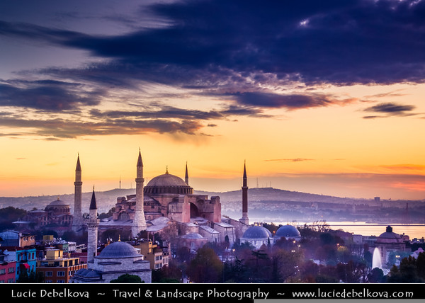 Turkey - Türkiye - Istanbul - Ancient Byzantium & Constantinople - Sultanahmet - Historical Old Town - UNESCO World Heritage site - Historic Areas of Istanbul - Hagia Sophia - Megale Ekklesia - Ayasofya Camii - Mosque of Holy Wisdom & jewel of Istanbul - Former Orthodox patriarchal basilica (church), later a mosque & now a museum - One of the best-known sights of Istanbul