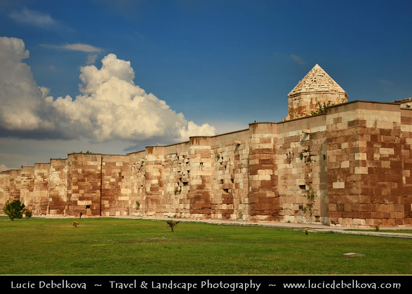Turkey - Türkiye - Aksaray Province - Sultanhani Kervansaray - One of the three monumental caravanserais in the neighbourhood of Aksaray & one of the best examples of Anatolian Seljuk architecture - Caravanserai - Fortified structure along Silk Road