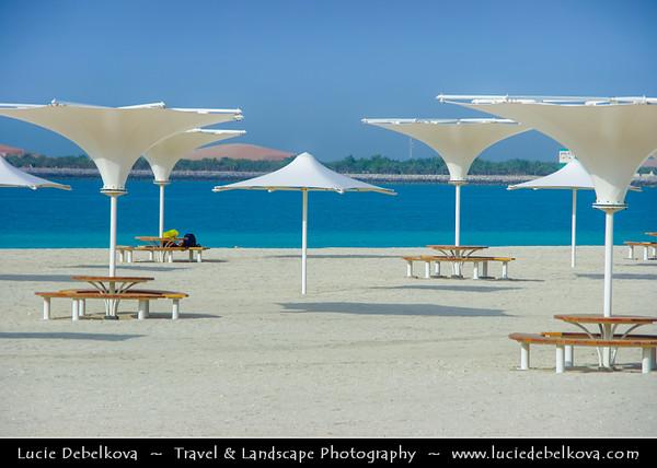 Middle East - GCC - United Arab Emirates - UAE - Abu Dhabi - Traditional city life along the corniche