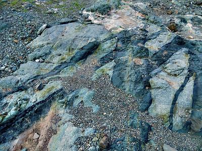 Striated dyke formation