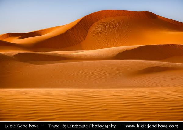 Middle East - GCC - United Arab Emirates - UAE - Abu Dhabi Emirate - Empty Quarter Desert - Rub Al Khali - Arabian Desert - Spectacular sea of sand dunes