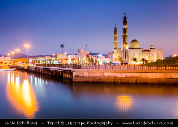Middle East - GCC - United Arab Emirates - UAE - Emirate of Fujairah - Dibba - Rashed Bin Ahmed Alqassimi Masjid - Beautiful 2 minarets mosque in port area on the shore of the sea