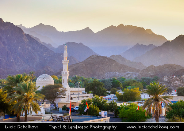 Middle East - GCC - United Arab Emirates - UAE - Emirate of Dubai - Hatta - Inland exclave in Hajar Mountains - Old heritage village of Hatta includes two prominent military towers from the 18th century & Juma mosque (built in 1780)