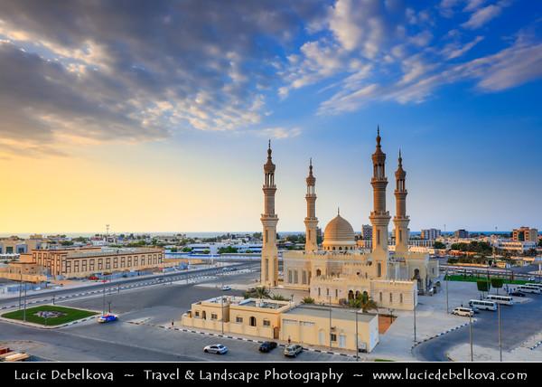 Middle East - GCC - United Arab Emirates - UAE - Emirate of Ras Al Khaimah - RAK - Shaikh Zayed Mosque - One of the most recognizable buildings in Ras al-Khaimah