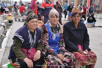 3 sisters at Samarkand market