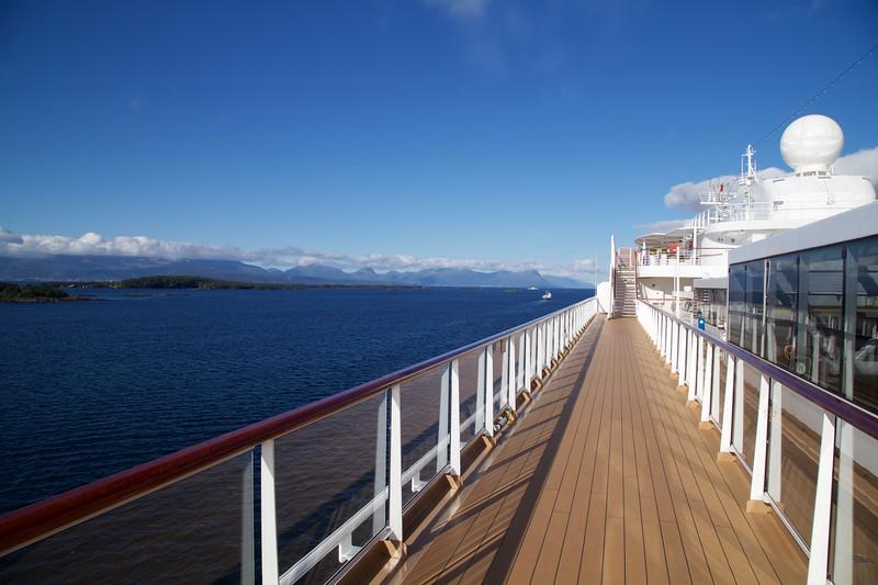 Viking Sea: Approaching Molde