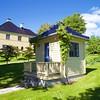 Molde: Châteauet: Garden house, board main house