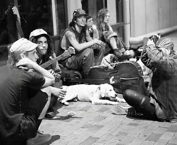 Street Musicians 8125 B&W
