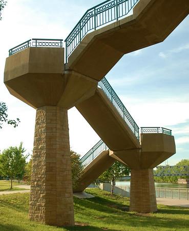 Hennepin Bridge walkway