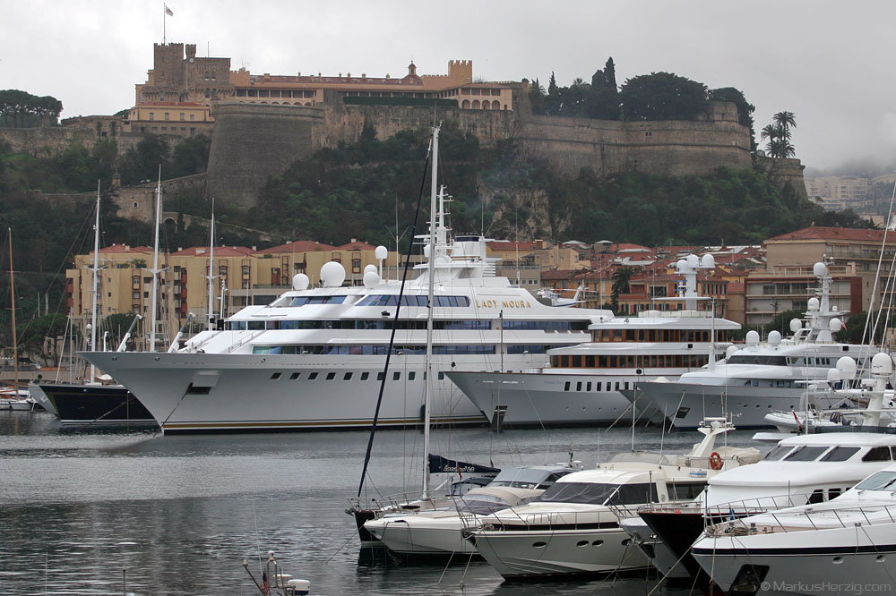 Mega Yacht LADY MOURA with S-76B VP-BIR @ Monaco 27Mar05