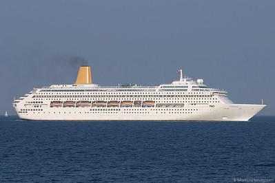 Cruise ship ORIANA P&O @ Monaco 18Apr03