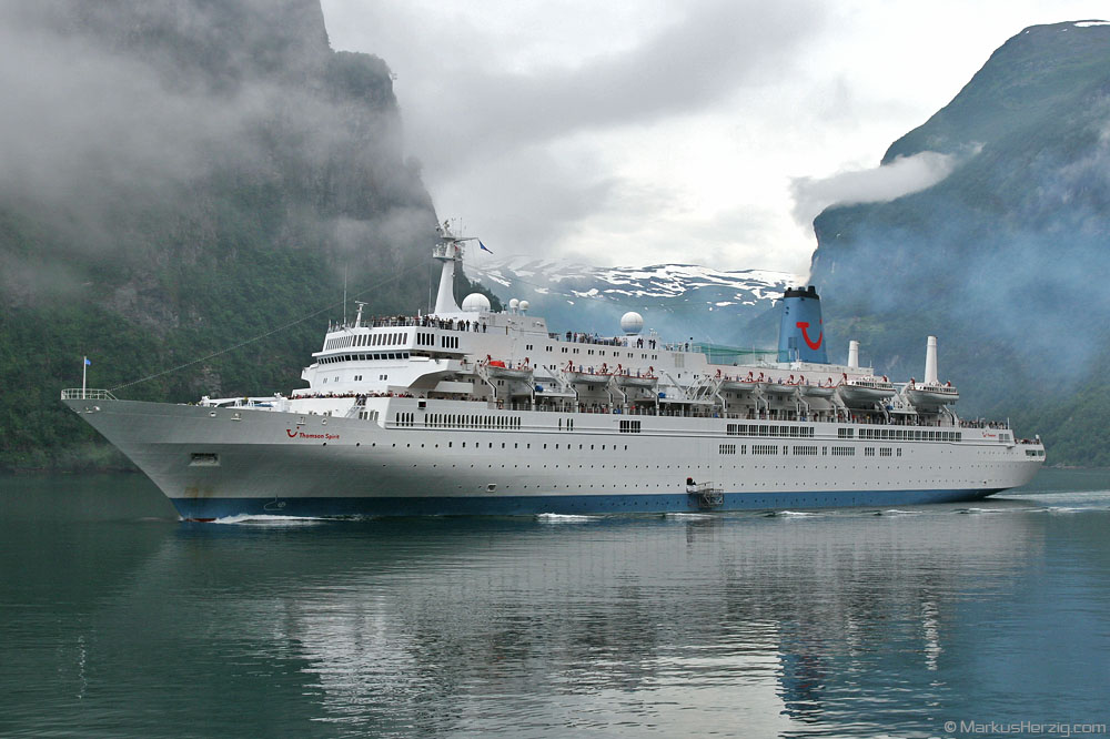 Cruise ship THOMSON SPIRIT @ Geiranger Norway 17Jul07