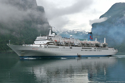 Cruise ship THOMSON SPIRIT @ Geiranger Norway 17Jul07