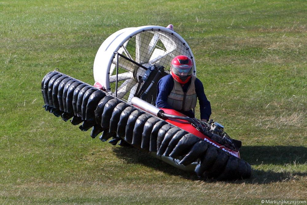 F1 Hovercraft racer @ Gang-Warily England 26Jul08