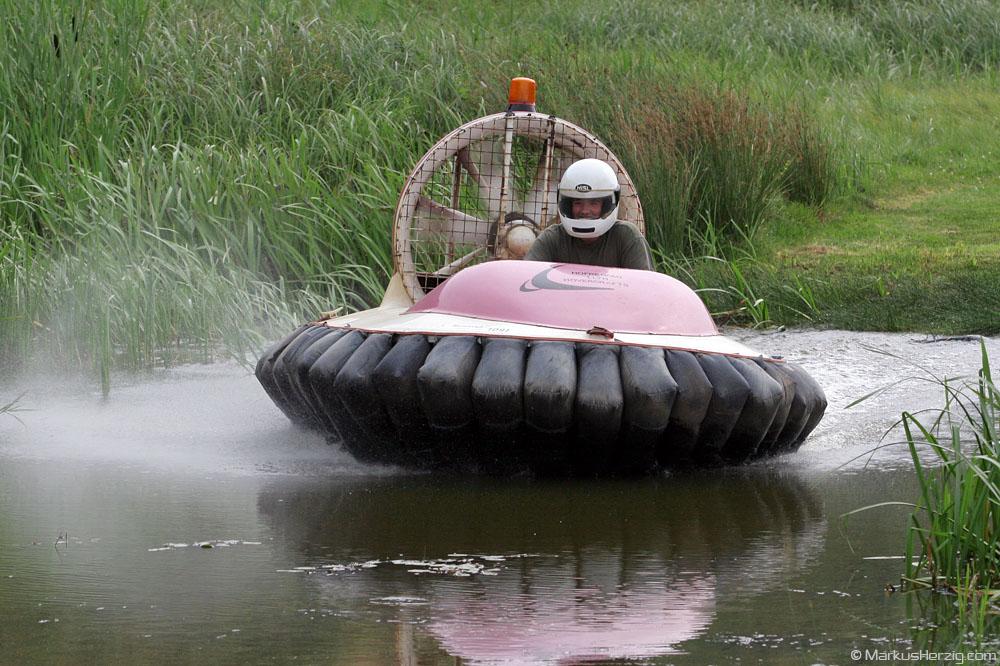 Flying Hovercraft @ Wales 22Jul06