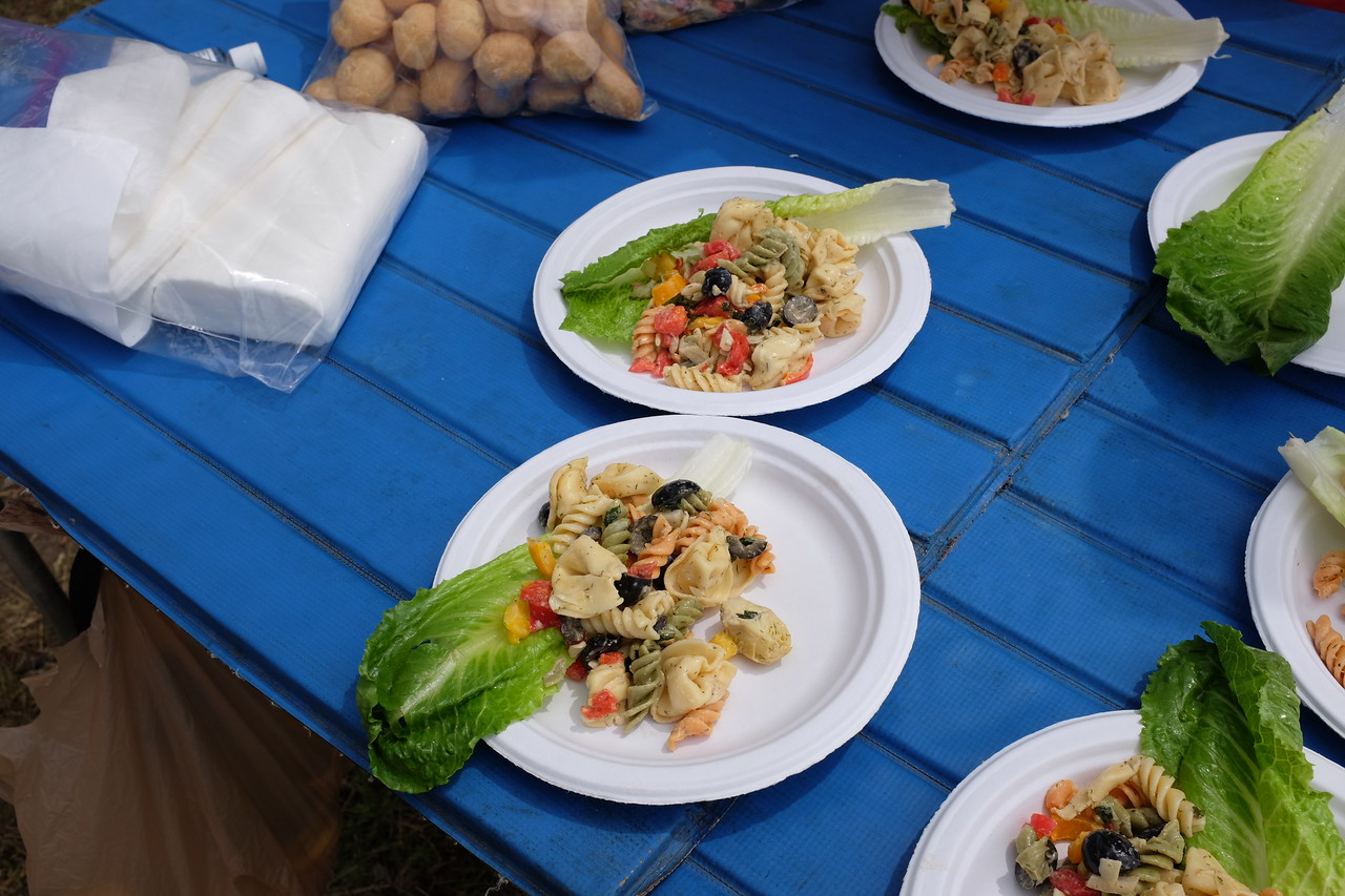 The fusilli and tortelloni salad came in two versions - regular and vegan. Both delicious.