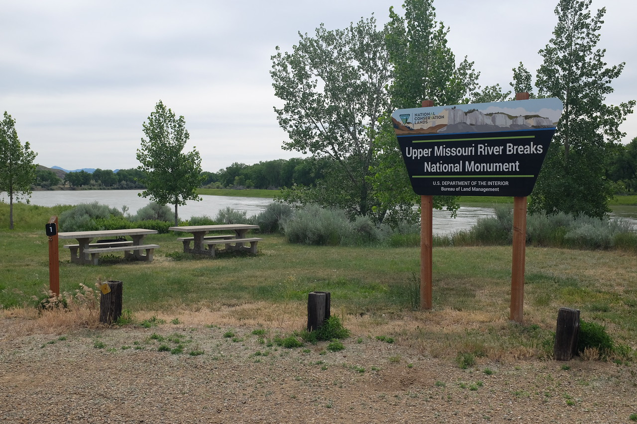 Coal Banks Landing is one of only a few spots along the river reachable by (dirt) road, and having a full-time ranger.