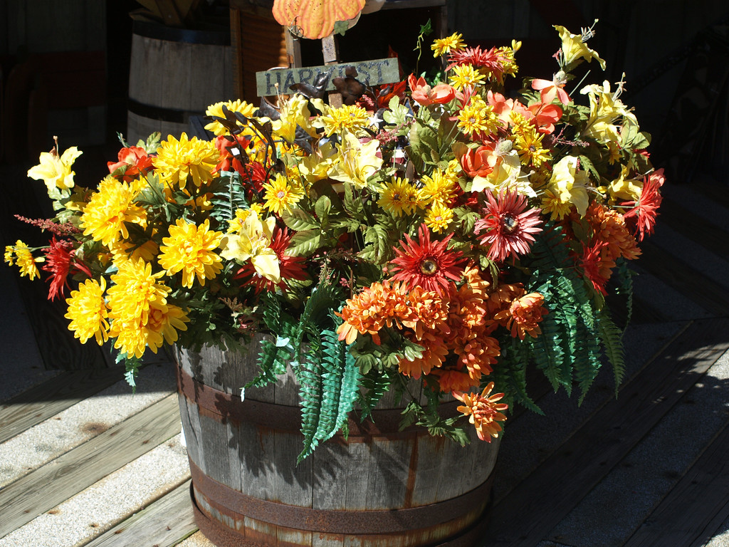 Flower Barrel at Branson Belle docks