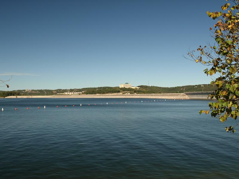 Lake-Chateau-773691951-O