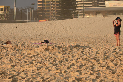 ...Until I got closer..... Ah - makes sense now :) - Early morning Broadbeach, 11-12-09
