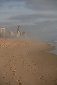Early morning Broadbeach, 11-12-09