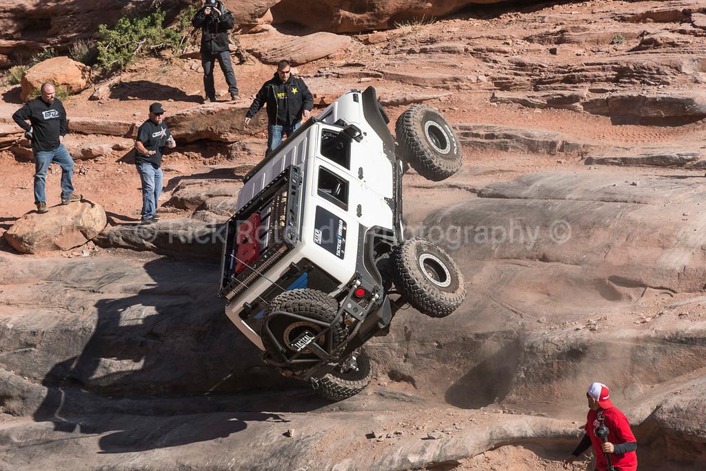 IMAGE: https://photos.smugmug.com/Travel/Moab-Easter-Jeep-Safari-April-2017/Monday-April-10th/i-2m8RS9F/0/dfc41d96/XL/DSC_5915-XL.jpg