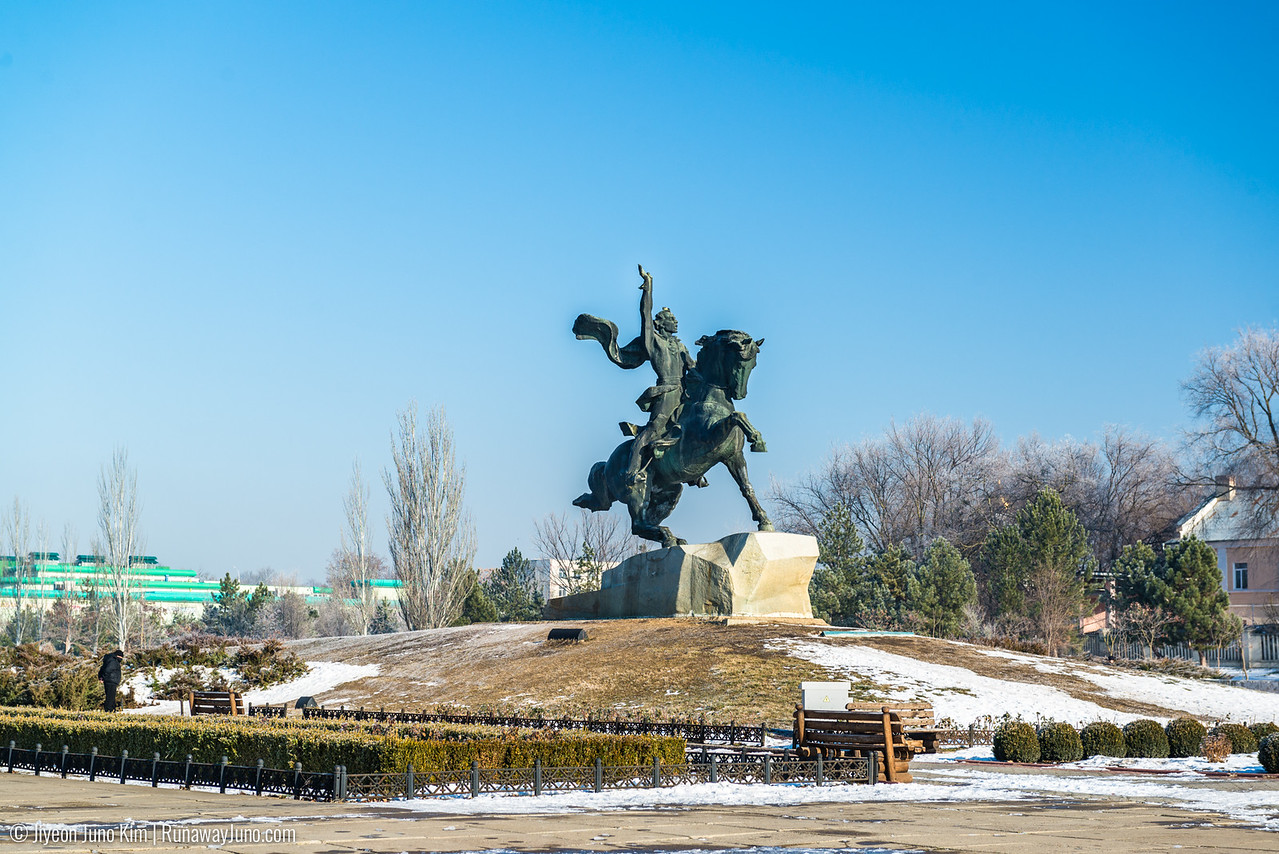 Monument to Suvorov