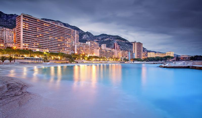 <b>Sunset in Larvotto @ Monaco #2 (French Riviera)</b> <i>Canon EOS 5D Mark II + Canon EF 17-40mm f/4L USM</i>
