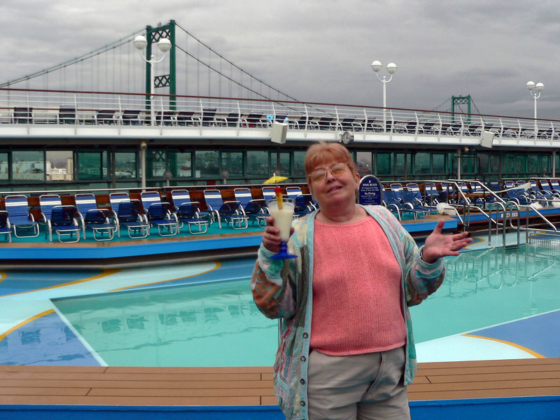 All mom wanted was a virgin pina-coloda to start her cruise...and she got it!