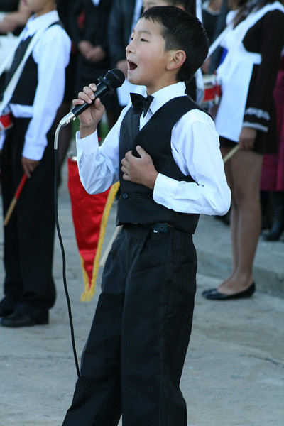 This little guy belts it out!