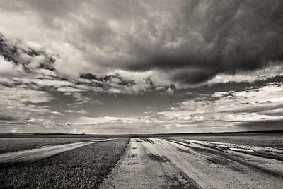 Steppe-Road-N-Clouds-mono-9592