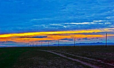 Sunrise-on-the-steppes-9518