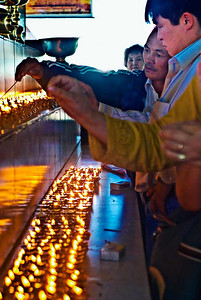 Pethub-Butter-Lamps-Worshipers-Vertical-9190