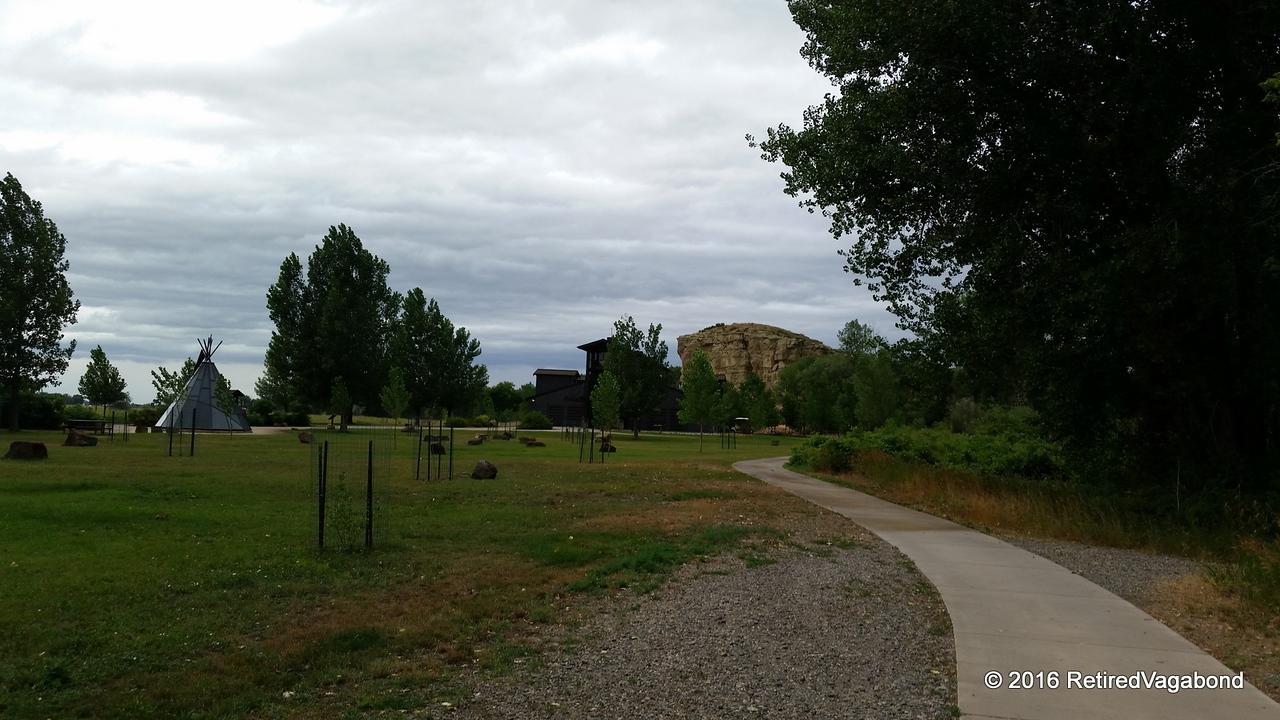 Pompey's Pillar in the distance